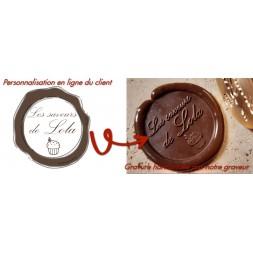 Personnalisation en ligne de votre tampon à marquer le chocolat, notre graveur ajustera votre gravure